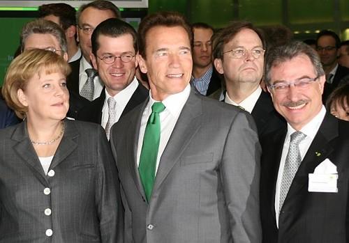 Angela Merkel und Arnold Schwarzenegger auf der CeBIT 2009