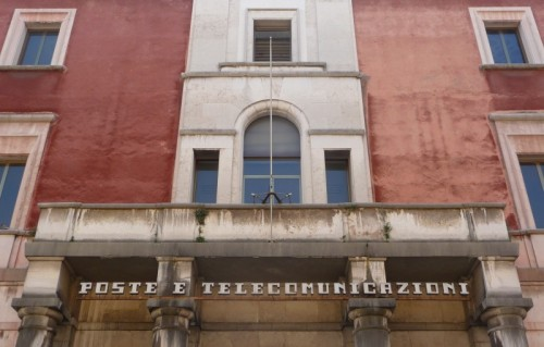 Serliana oder Palladio-Motiv am Gebäude der Post und Telekommunikation in Vicenza