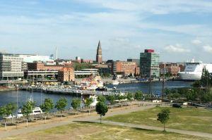 """Blick aus der """"Telekom hilft""""-Zentrale auf Kiel"""