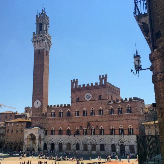 Die Piazza del Campo in Siena