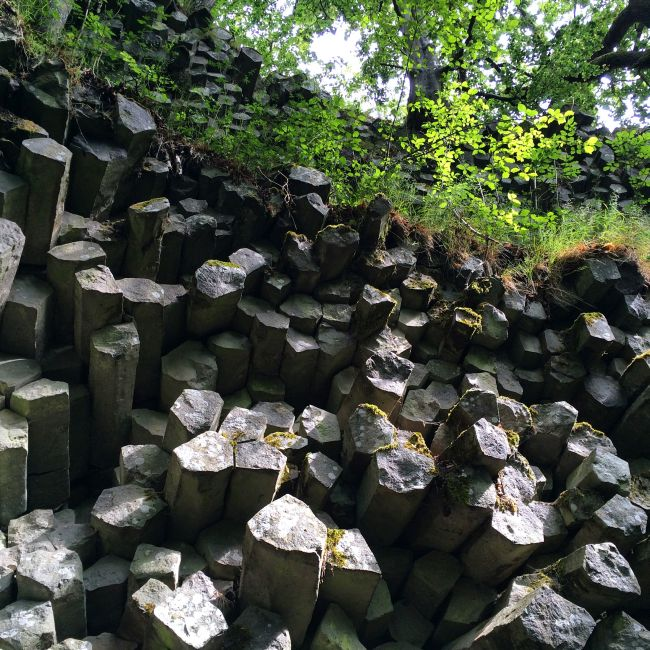 Basaltsäulen - sieht aus wie hingebaut, ist aber Natur pur