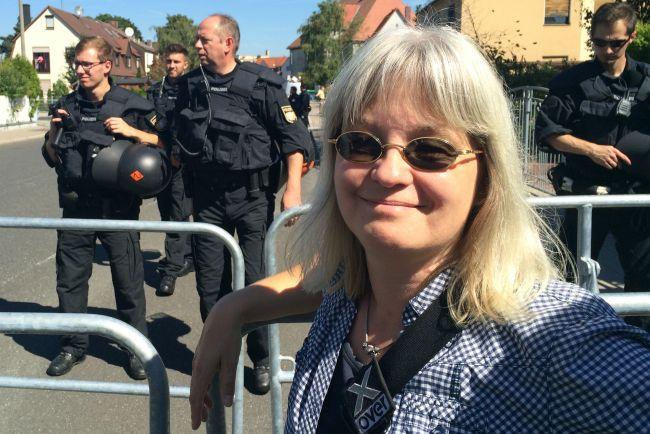 Die Erlanger Delegation: meine Frau (und nicht im Bild: Lieblings-Nachbarin und Fotograf)