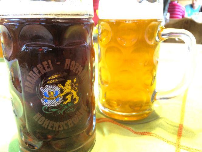 Dunkel und Hell bei der Brauerei Hofmann in Hohenschwärz